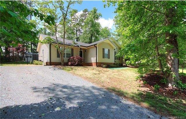 724 White Oak Ln Matthews, NC 28104