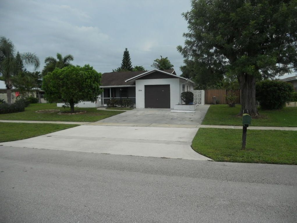 844 Lilac Dr Royal Palm Beach, FL 33411
