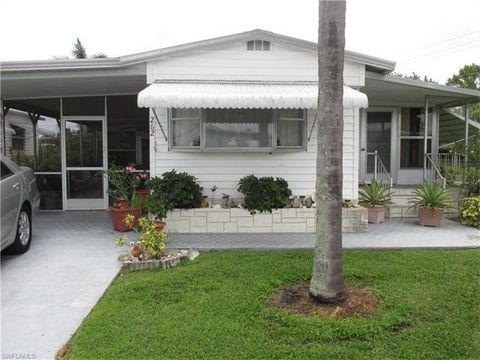 262 Yorkshire Ave Fort Myers FL 33908