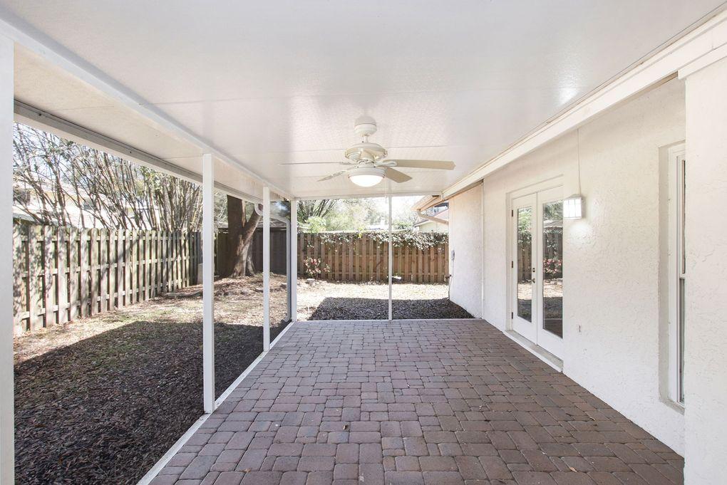 6702 Maybole Pl, Temple Terrace, FL 33617