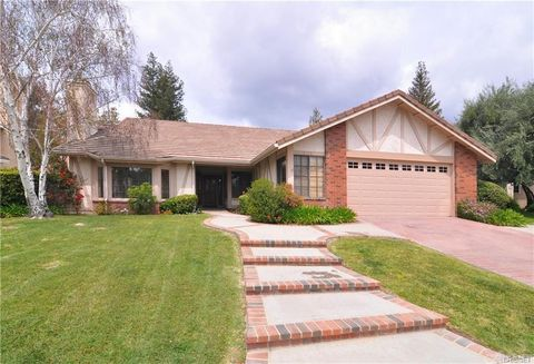 Photo of 5733 Middle Crest Dr, Agoura Hills, CA 91301
