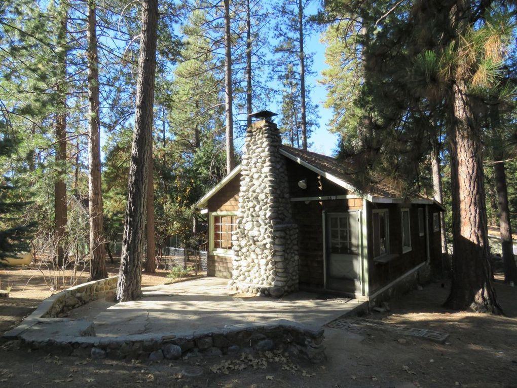 25115 rim rock rd idyllwild ca 92549 for Knotty pine cabins idyllwild