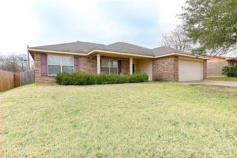Photo of 536 Murray St, Hutchins, TX 75141