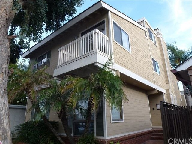 472 36th St, Manhattan Beach, CA 90266