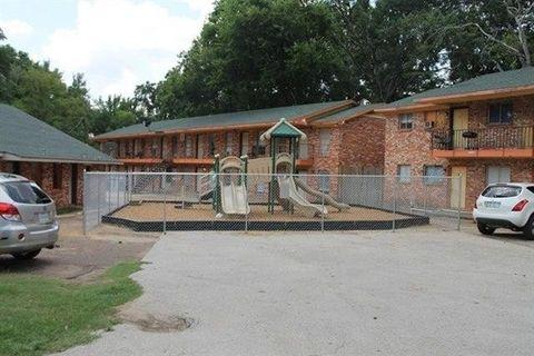 Photo of 1013 Douglass Rd, Nacogdoches, TX 75964