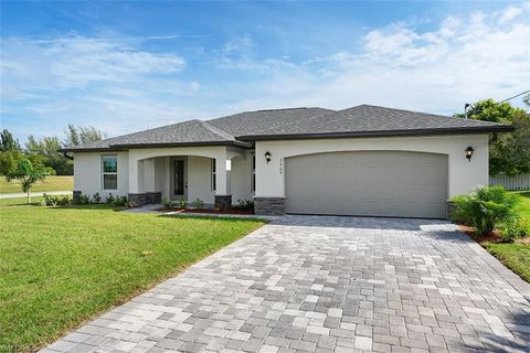 Photo of 2916 Nw 18th Ave, Cape Coral, FL 33993