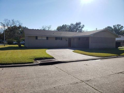 Photo of 1901 Laredo Dr, Houma, LA 70360