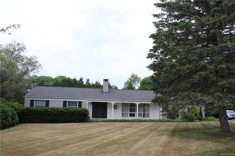 4936 Broomfield Ct, West Bloomfield Township, MI 48322