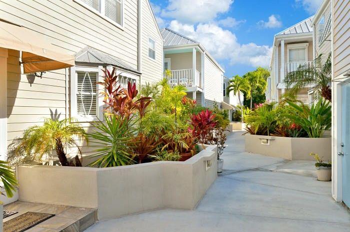 1075 Duval St Apt R26, Key West, FL 33040