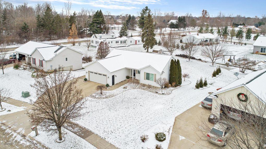 3167 Woodlily St Sw, Wyoming, MI 49418