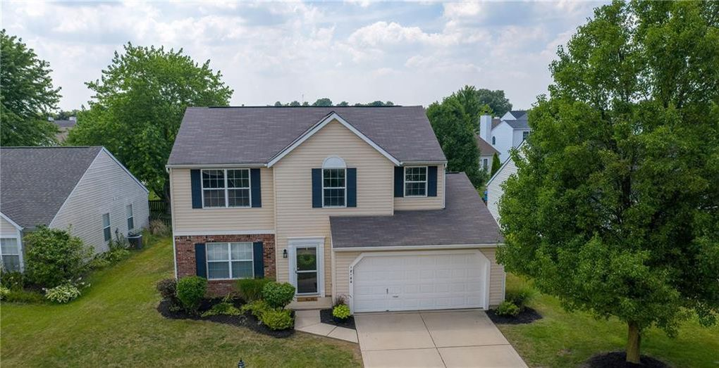 12180 Driftstone Dr Fishers, IN 46037