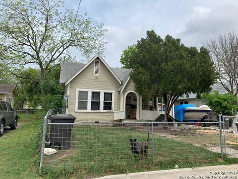 Photo of 1719 W Craig Pl, San Antonio, TX 78201