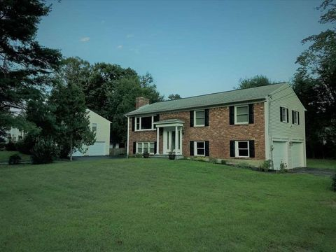 3136 Lone Pine Rd, Schenectady, NY 12303