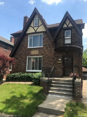 Photo of 1380 Somerset Ave, Grosse Pointe Park, MI 48230