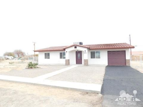 Photo of 2212 Iridescent Ave, Thermal, CA 92274