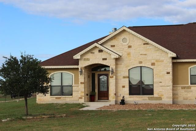121 abrego run dr floresville tx 78114 home for sale and real estate listing