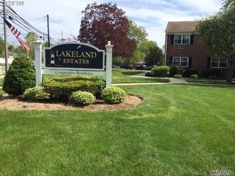 330 Lakeland Ave Apt 2 C, Sayville, NY 11782