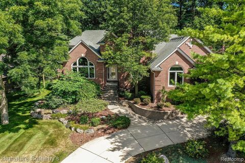 Photo of 5491 Crystal Creek Ln, Washington Township, MI 48094