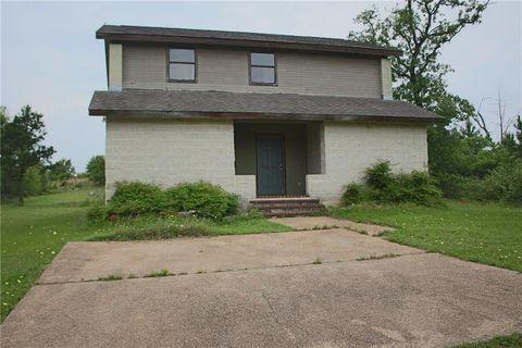 Photo of 136 Pine Hill Loop Apt G, Bastrop, TX 78602