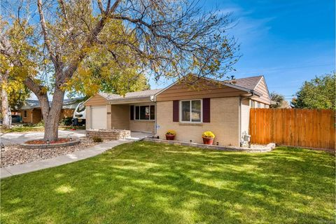 5430 Hoyt Dr, Arvada, CO 80002