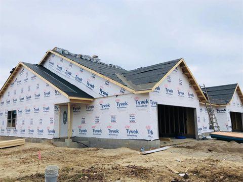 713 Villa Ct, Trenton, OH 45067