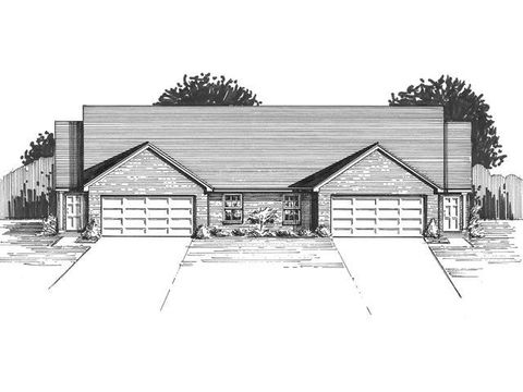 715 Villa Ct, Trenton, OH 45067