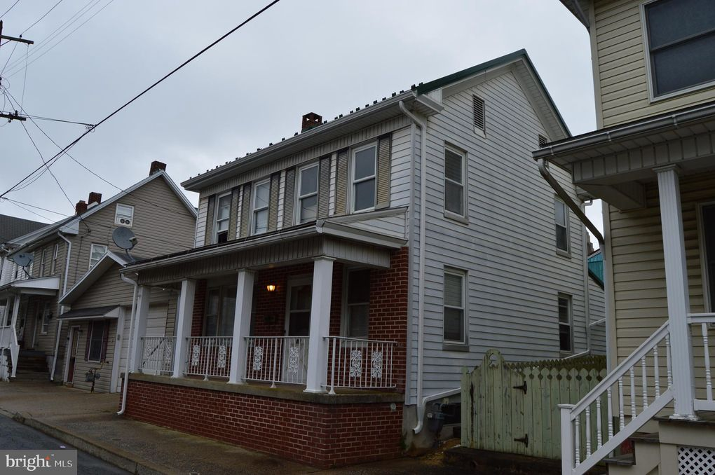 80 1st Ave, Red Lion, PA 17356