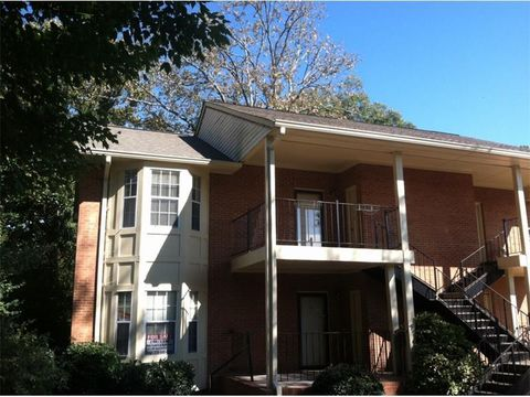 Photo of 401 Forrest Ave, Gainesville, GA 30501