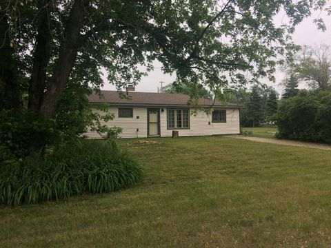 Photo of 10101 Quince St Nw, Coon Rapids, MN 55433