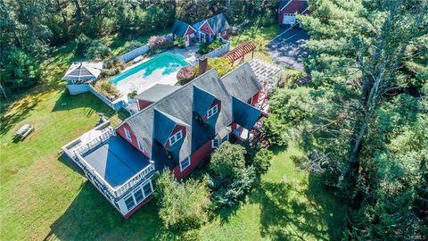 88 Hartung Rd, Highland Lake, NY 12743