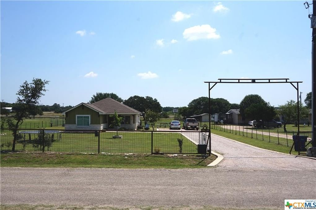 202 Brizendine Ave Florence TX 76527