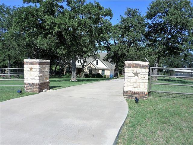 129 Mill Crossing Ln Springtown TX 76082