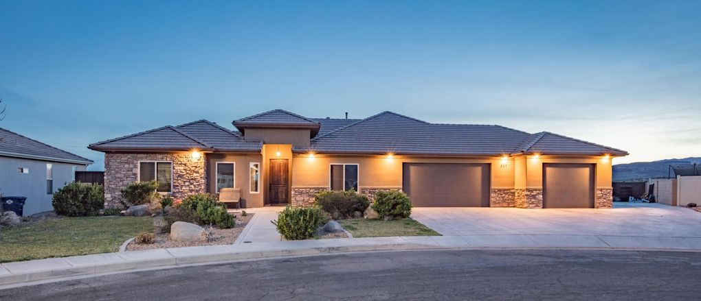 857 Crystal Dr, Saint George, UT 84770