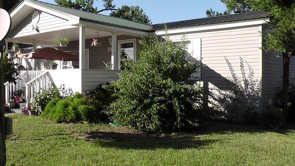 757 Paradise Island Dr, Defuniak Springs, FL 32433