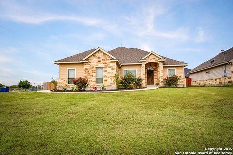 Photo of 101 Park Way, Poth, TX 78147