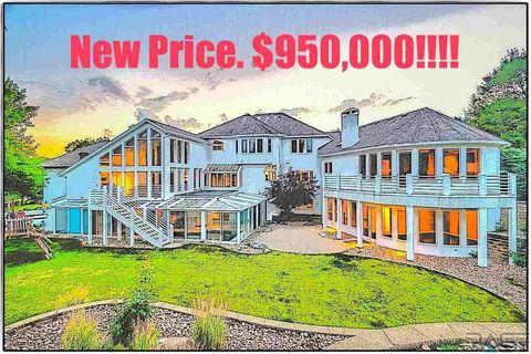 5200 S Jasmine Cir, Sioux Falls, SD 57108. House for Sale