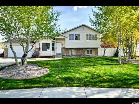 9782 N Harvey Cir W, Cedar Hills, UT 84062