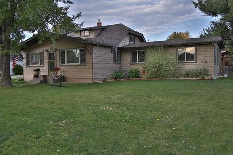 356 Coffeen St, Ranchester, WY 82839
