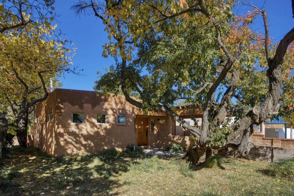 3009 Franciscan St NE Albuquerque, NM 87107