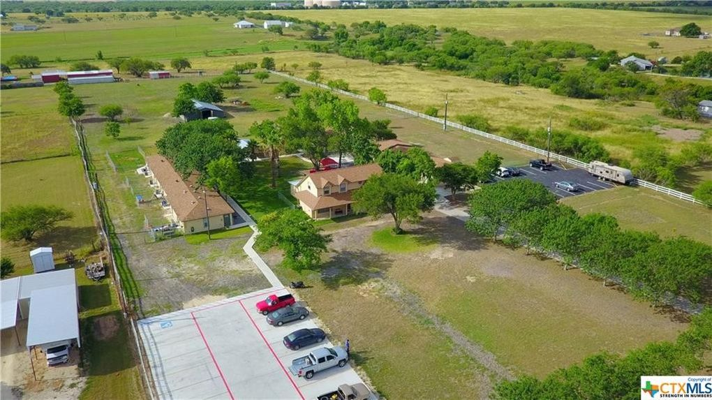 1104 Country Ln, Marion, TX 78124