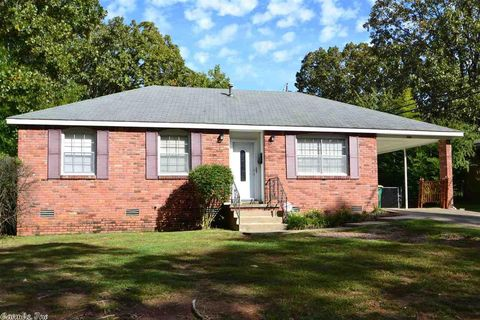 Photo of 10202 Raymond Dr, Little Rock, AR 72205