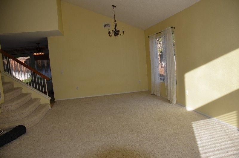 418 Skyridge Ln, Escondido, CA 92026