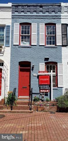 Photo of 913 Hughes Mews Nw, Washington, DC 20037