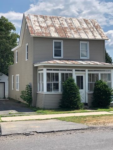Photo of 29 Maple St, Rouses Point, NY 12979
