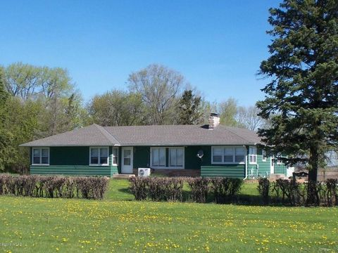 55920 180th St, Donnelly, MN 56235