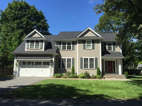 8 Chesterton Rd, Wellesley, MA 02481