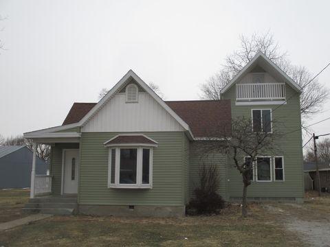 Photo of 306 E Barker St, Tuscola, IL 61953