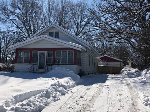 Photo of 13 E Bell Ave, Des Moines, IA 50315