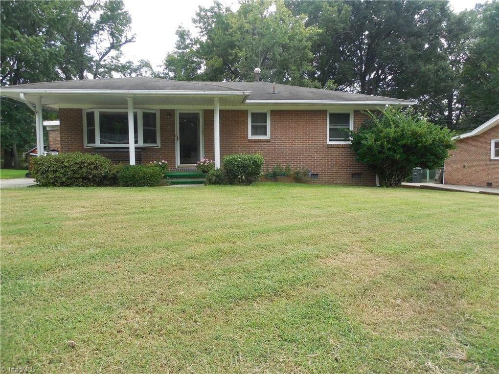 1908 Rayston Dr  Greensboro  NC 27405. Woodmere Park  Greensboro  NC Real Estate   Homes for Sale