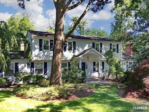 Photo of 36 Kenwood Dr, Woodcliff Lake, NJ 07677